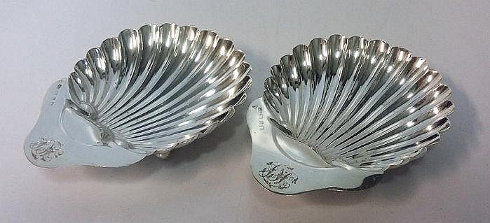 A PAIR OF VICTORIAN SILVER SHELL-SHAPED BUTTER DIS