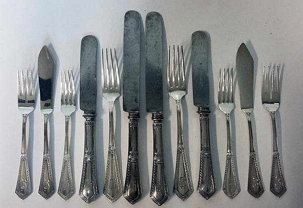 A SET OF GERMAN SILVER CUTLERY, .800 STANDARD comp