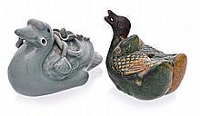A CHINESE SANCAI-GLAZED 'DUCK' WATER DROPPER stopp