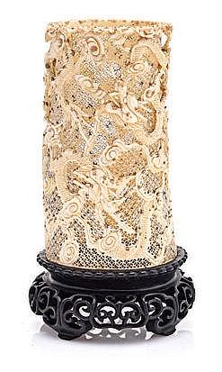 A CHINESE CARVED IVORY TUSK VASE, LATE 19TH CENTUR