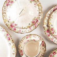 A ROYAL DOULTON ''ENGLISH ROSE'' PATTERN PART DINNER SERVICE, 1939 - 1963 e