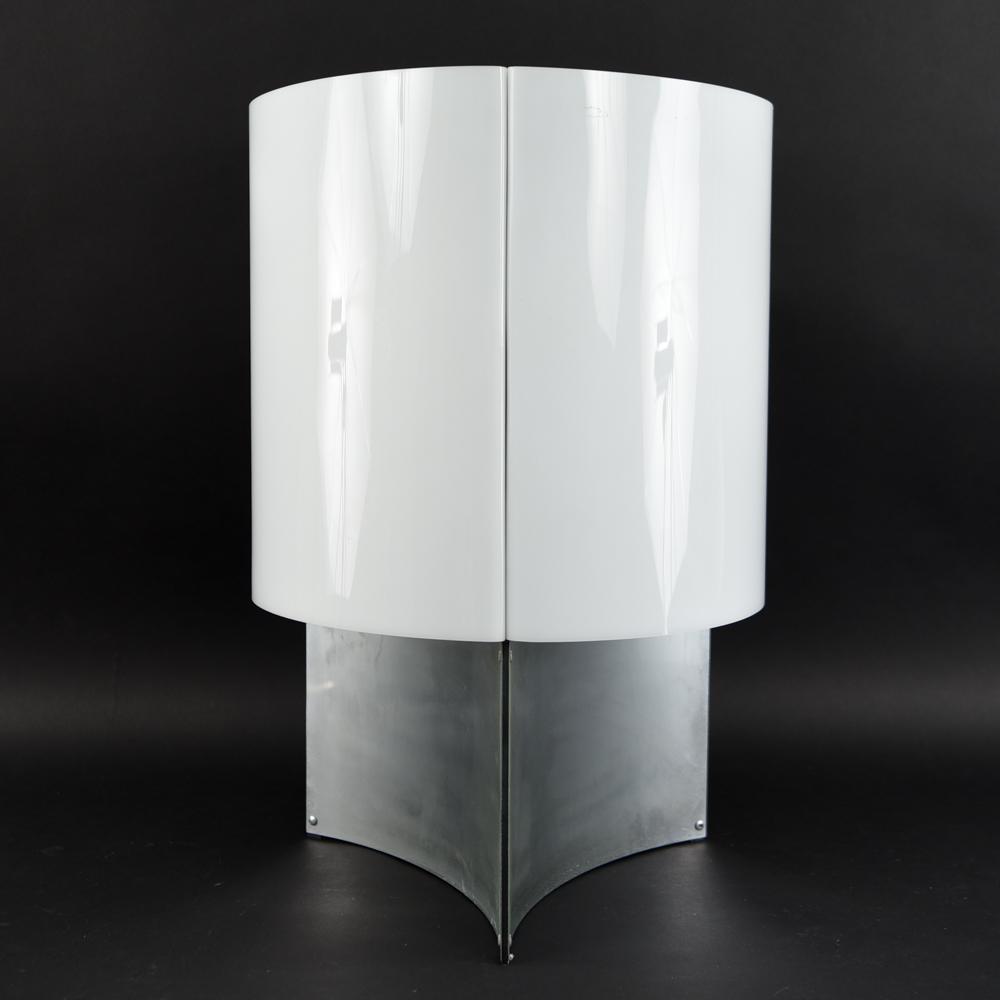 MID-CENTURY ACRYLIC & ALUMINUM TABLE LAMP