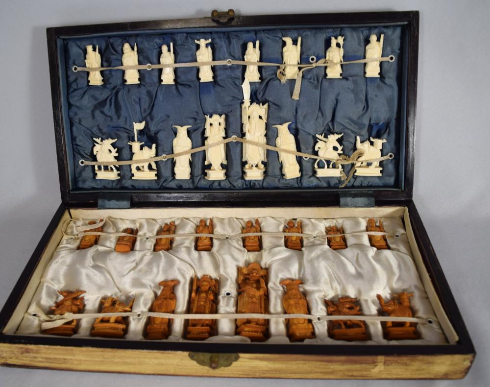 BOXED IVORY CHESS SET: