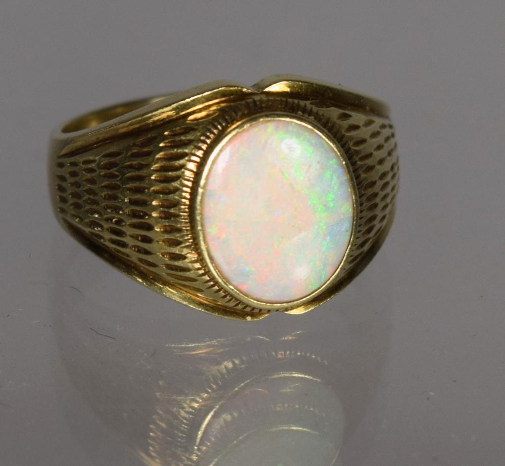 MAN'S OPAL & 14KT GOLD RING: