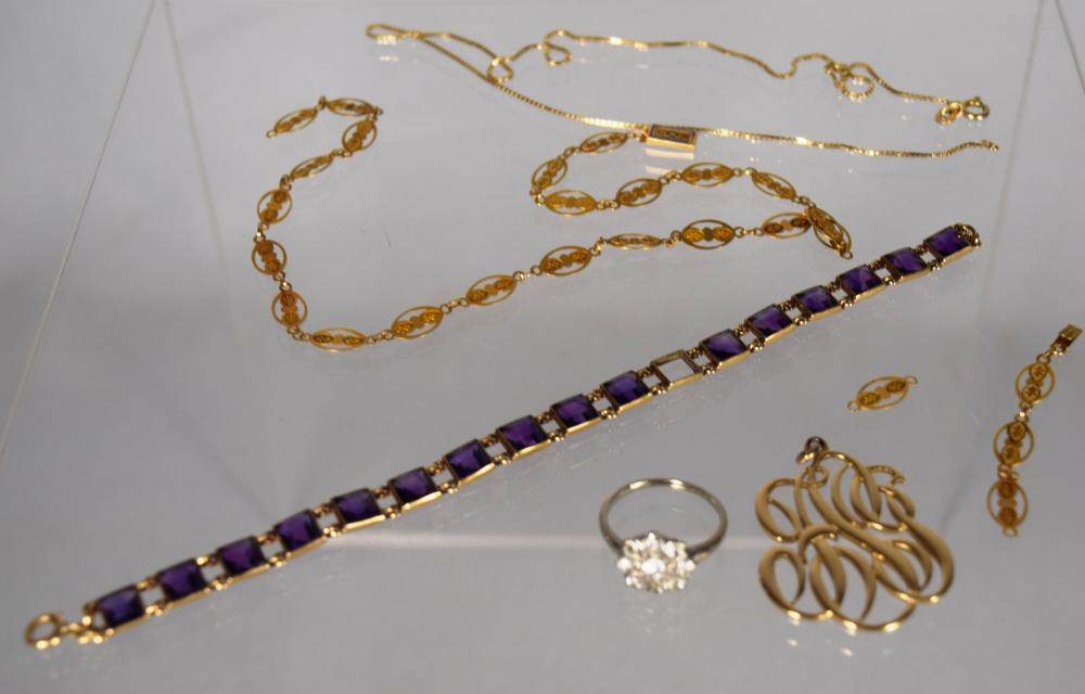 ASSORTED GOLD & SEMI PERVIOUS STONE JEWELRY: