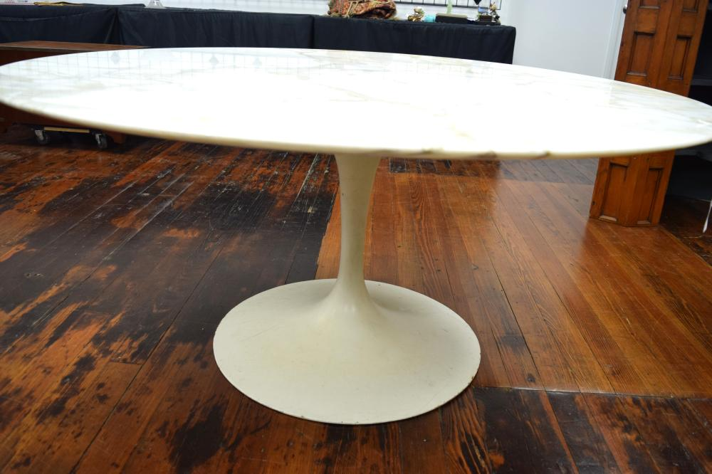 MID-CENTURY EERO SAARINEN DINING ROOM TABLE for KNOLL: