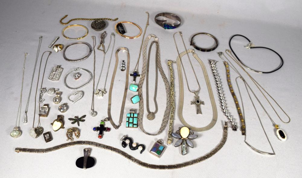 APPROXIMATELY 43 STERLING SILVER VINTAGE JEWELRY PIECES: