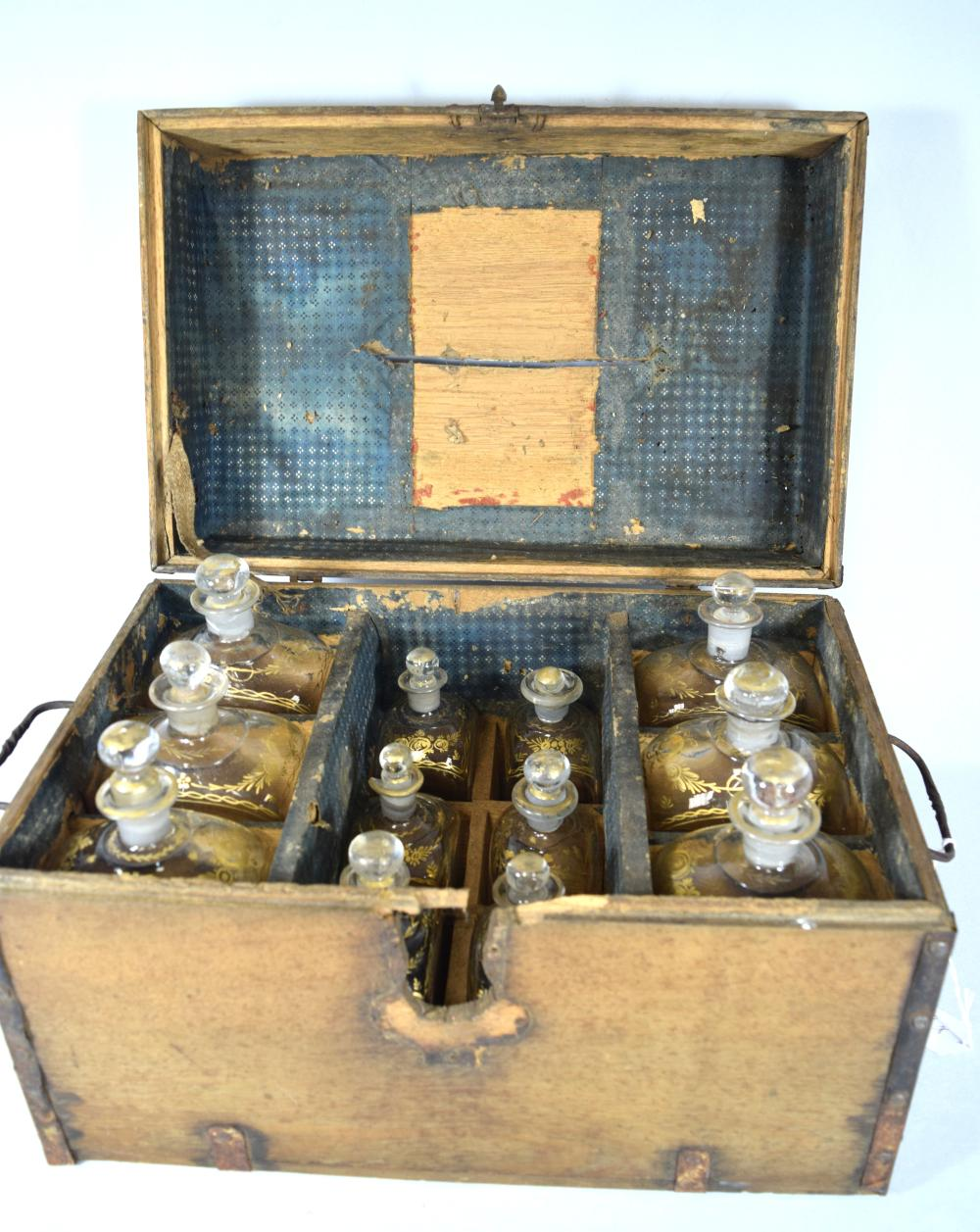 EARLY 19TH C SEA CAPTAIN'S LIQUOR CHEST: