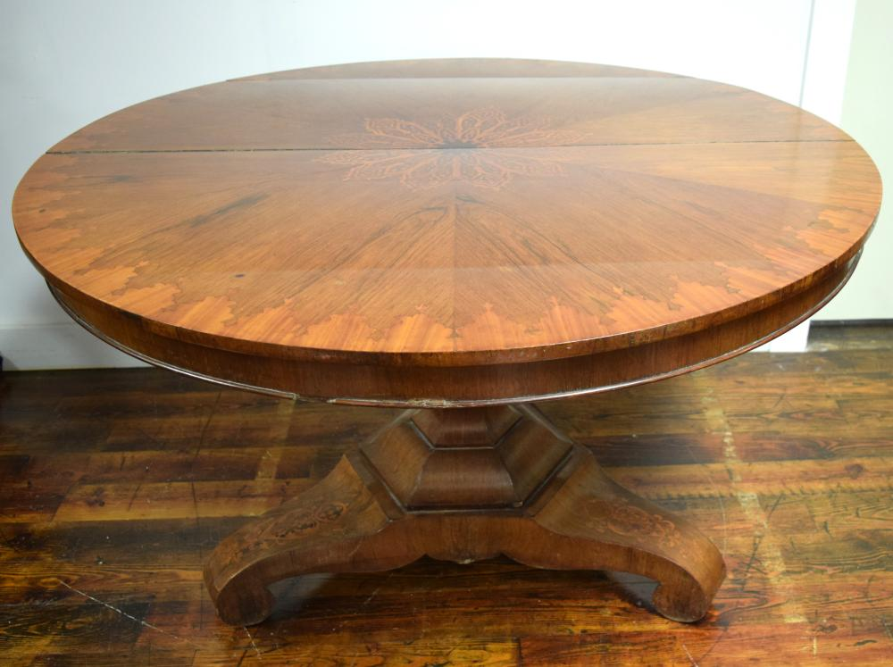 BIEDERMEIR TILT TOP CENTER TABLE: