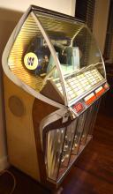 1954 SEEBURG MODEL R SELECTO-MATIC HI-FI JUKE BOX: