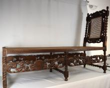 CARVED OAK RENNAISSANCE STYLE CHAISE LOUNGE: