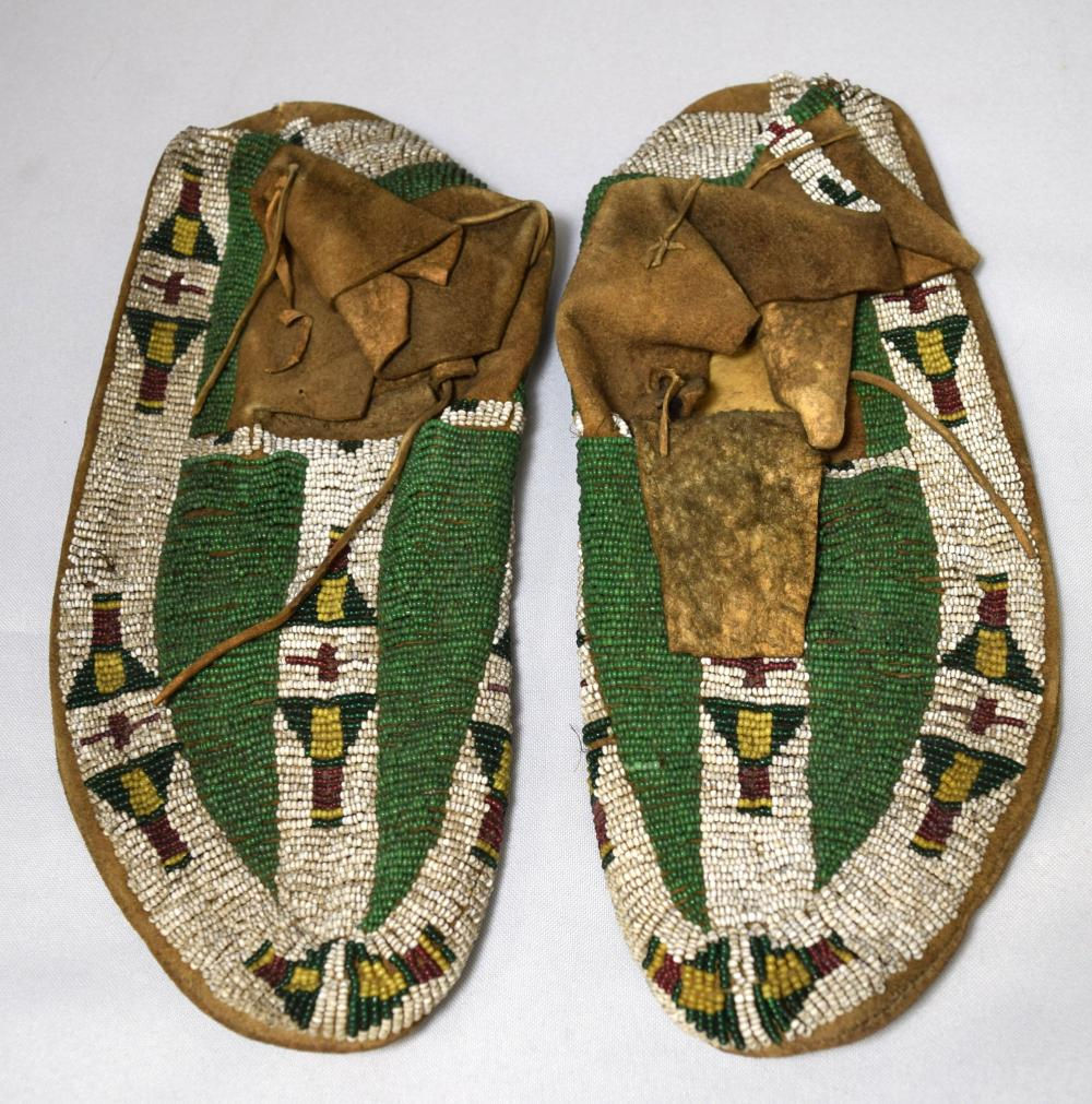 19TH C NATIVE AMERICAN INDIAN BEADED MOCASSINS: