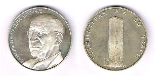 Eamon de Valera silver medals by Spink.