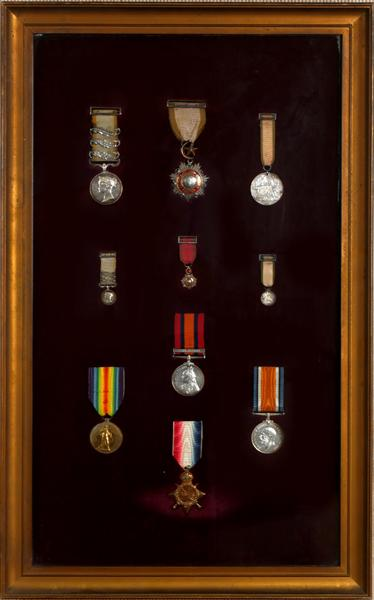 1854-1918 Family groups of medals, Crimean, Boer and First World Wars.