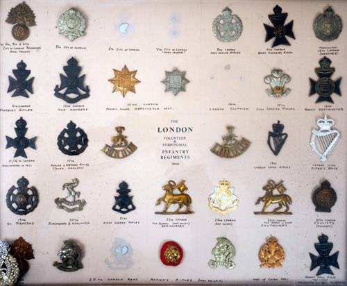 1914-1918 London Regiments, collection of badges.