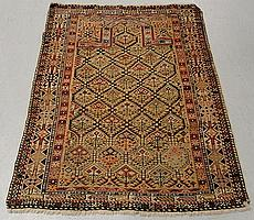 Caucasian Shirvan oriental prayer mat with stylized floral decoration. 4'2