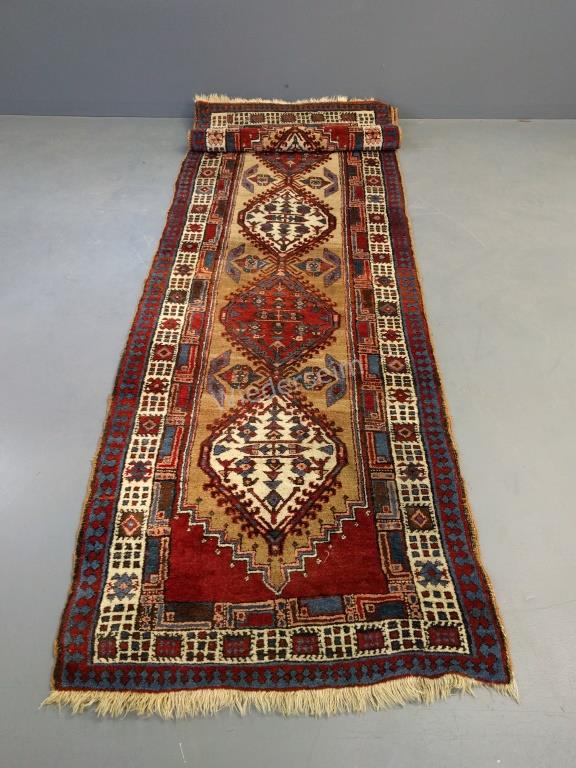 Serab Oriental Hall Runner with Medallions