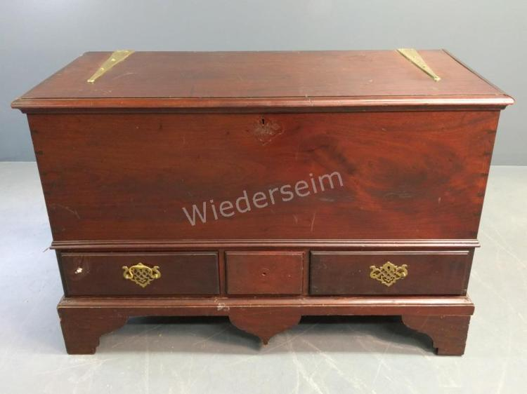 Queen Anne Style Mahogany Blanket Chest