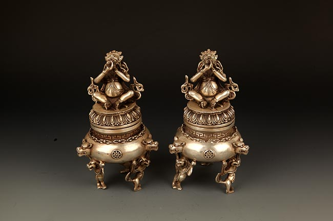 PAIR OF BRONZE VAJAR SHAPED AROMATHERAPY