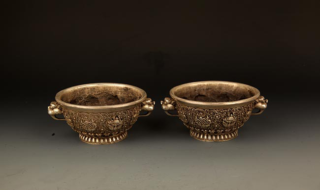 PAIR OF FLOWER CARVING BRONZE INCENSE BURNER