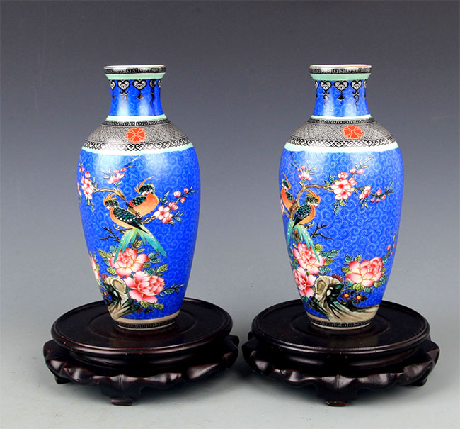 A PAIR OF BLUE GROUND PORCELAIN BOTTLE