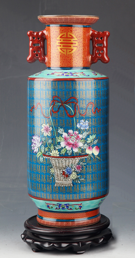 A TALL ENAMEL COLOR PORCELAIN VASE