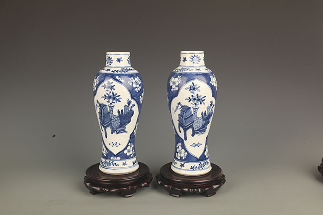 PAIR OF BLUE AND WHITE PORCELAIN BOTTLE