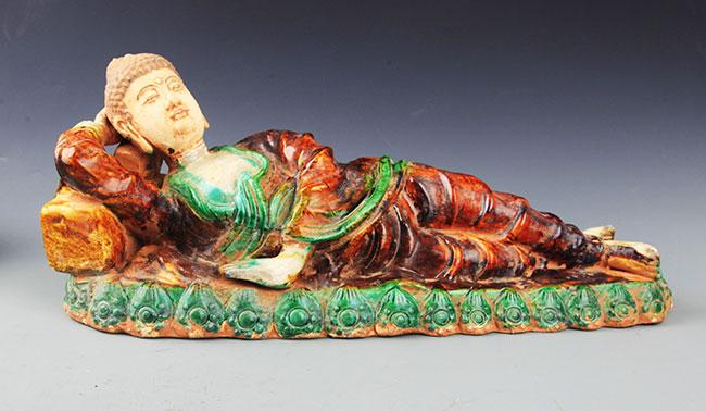 A FINE AKSHOBHYA BUDDHA FIGURE, SAN CAI