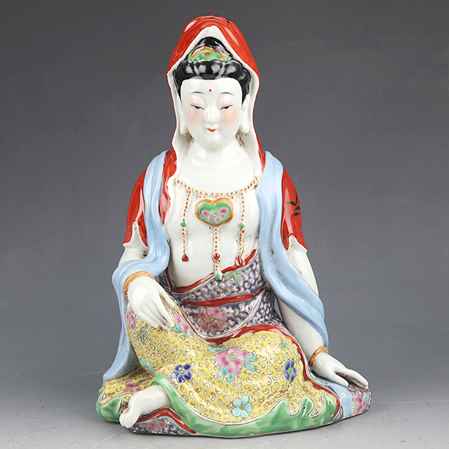 COLORFUL PAINTED PORCELAIN GUAN YIN