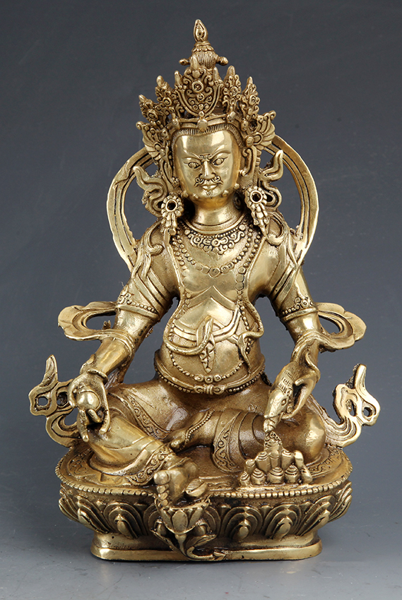 A FINE CARVED BRONZE BUDDHA