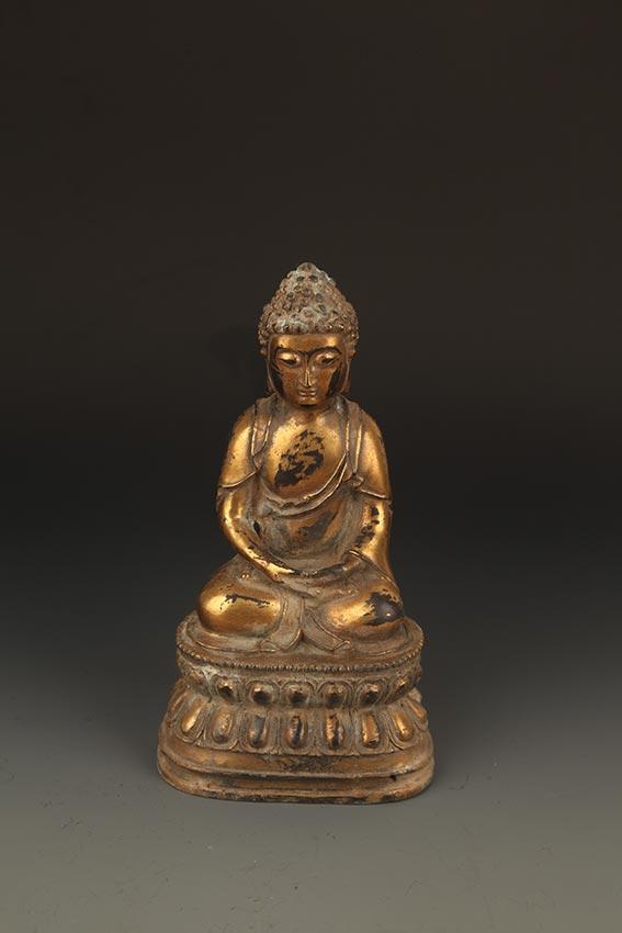 A FINELY CARVED TATHAGATA BUDDHA