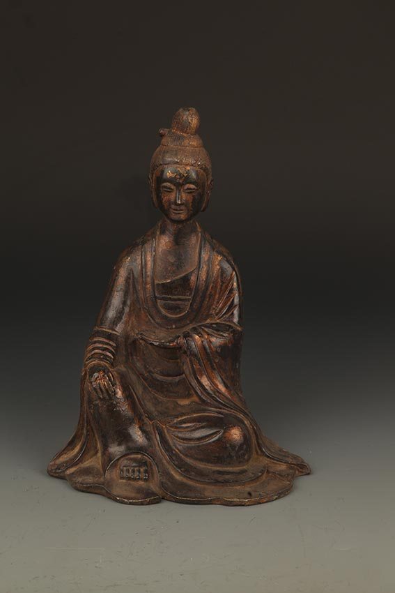 A FINELY CARVED BRONZE GUAN YIN BUDDHA FIGURE