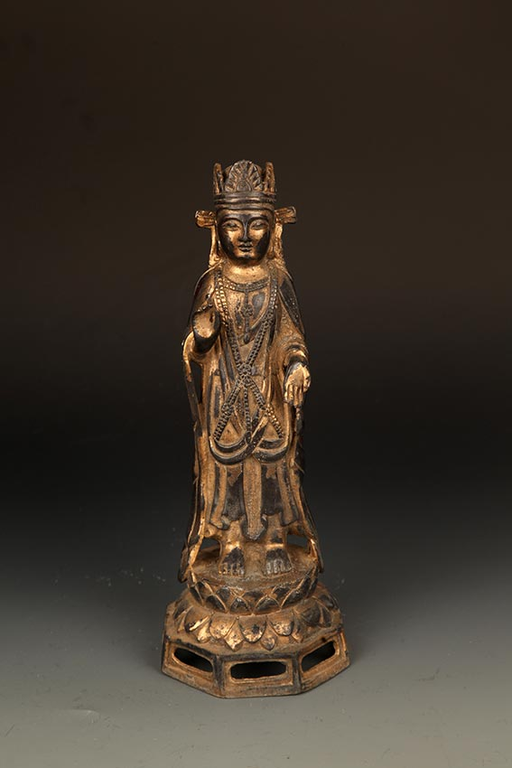 A FINELY CARVED BRONZE MANJUSRI BUDDHA FIGURE