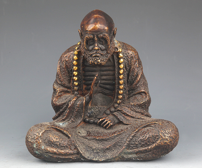 A DETAILED CARVED BRONZE BODHIDHARMA ROHAN