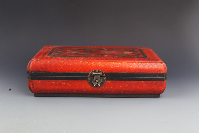 A CINNABAR PAINT LACQUERED WOOD BOX