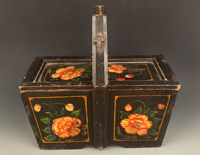 A BLACK COLOR FLOWER PAINTED WOODEN LUNCH BOX