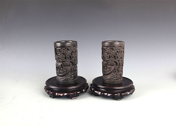 A PAIR OF CHINESE BRUSH HOLDER