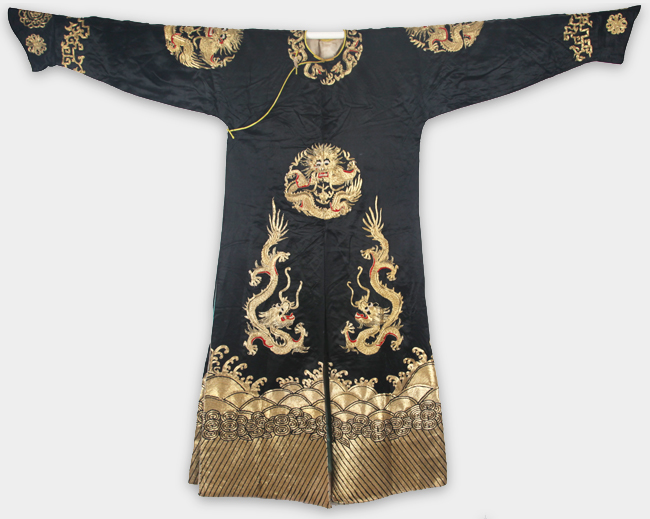 AN BLACK COLOR EMBROIDERED COURT ROBE