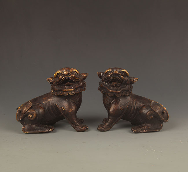 PAIR OF BRONZE LION DECORATION