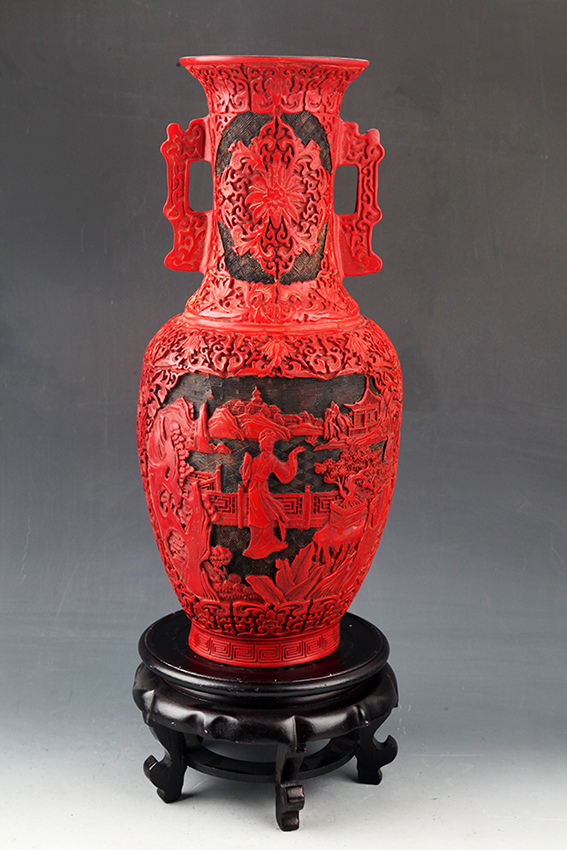 A FINELY CARVED CHINESE LACQUER JAR