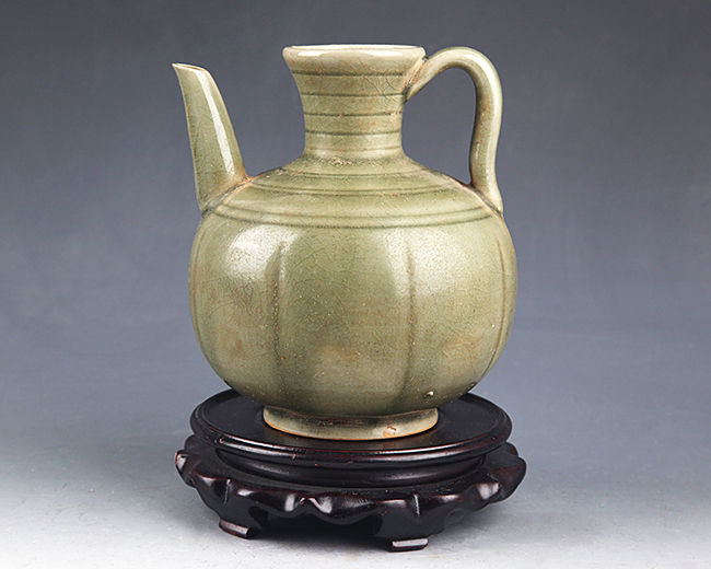 COPY OF OLD GREEN COLOR PORCELAIN POT