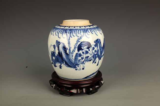BLUE AND WHITE PORCELAIN STORY JAR