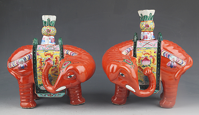 PAIR OF FAMILLE-ROSE PORCELAIN CANDLE STICK