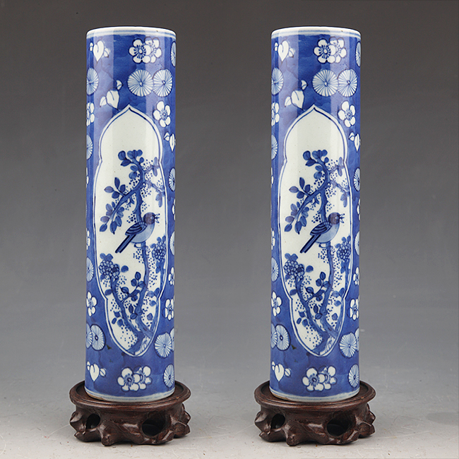A PAIR OF FINELY PAINTED BLUE AND WHITE FLOWER JAR