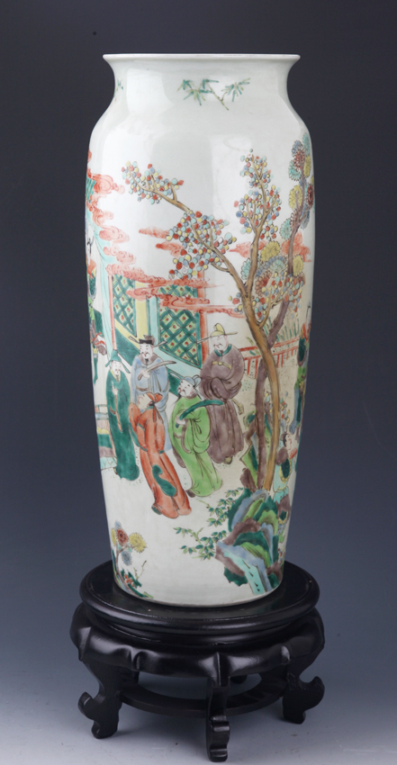 A FAMILLE-ROSE STORY PAINTED PORCELAIN JAR