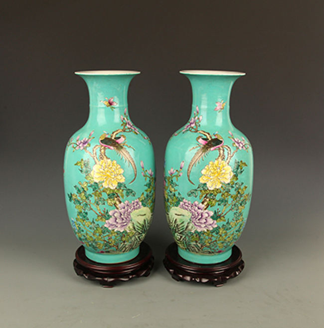 PAIR OF GREEN COLOR GLAZED PORCELAIN JAR