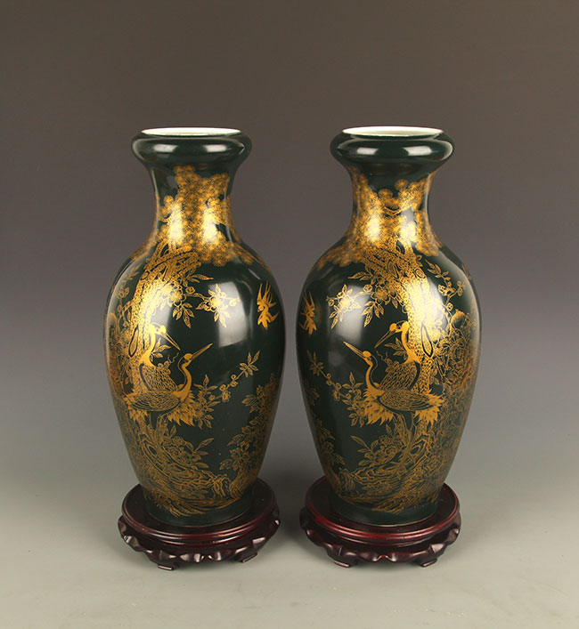 PAIR OF BLACK COLOR GLAZED PORCELAIN JAR