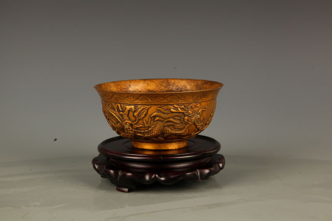A FINE DRAGON CARVING BRONZE BOWL