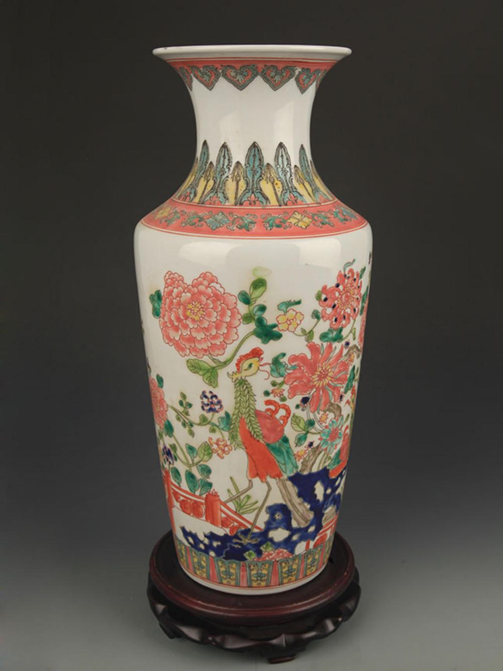 FAMILLE ROSE CHICKEN PATTERN DECORATIVE BOTTLE