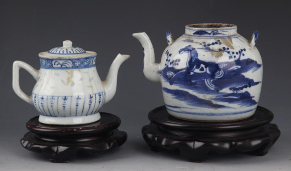 GROUP OF TWO PORCELAIN TEA POT